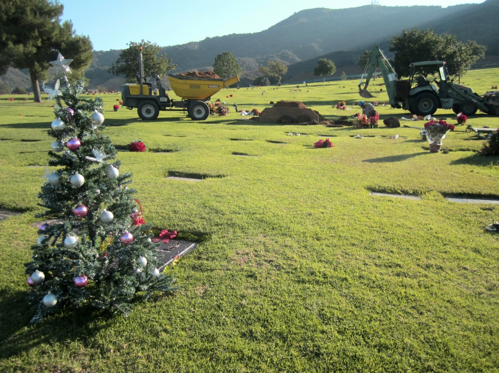 Happy Holidays 4, Forest Lawn Cemetery Hollywood, 2013